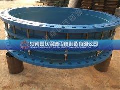 贵阳技术人员现场指导双法兰钢制伸缩接头的安装方法