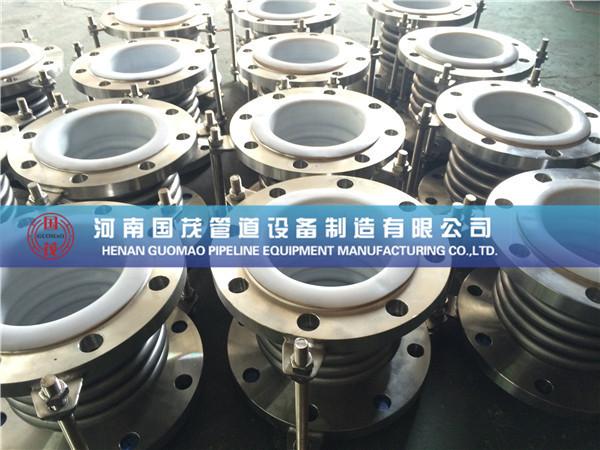 波纹补偿器衬氟可以大大增强其耐酸碱耐腐蚀的性能