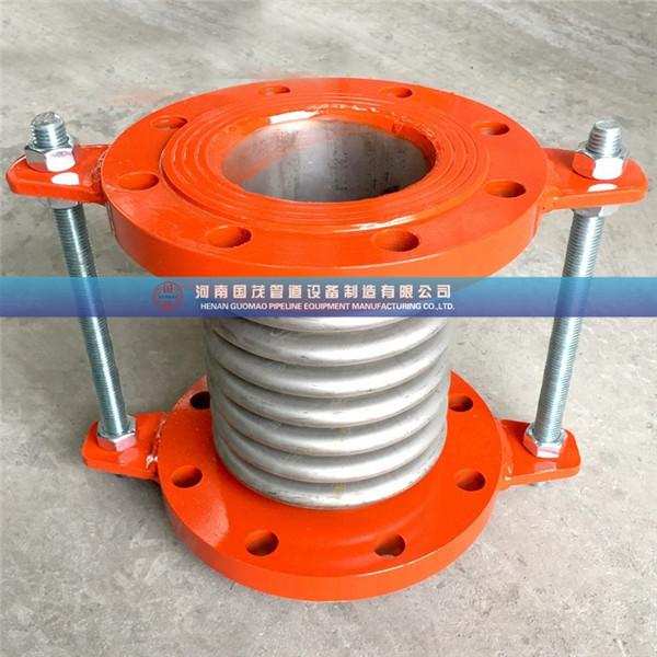 污水处理厂金属波纹补偿器一般选用304或316不锈钢加工制作